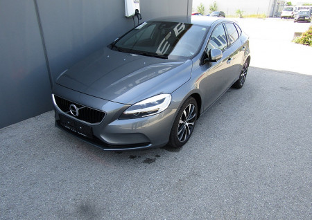 Volvo V40 D2 Edition Geartronic bei BM || L-E-B in