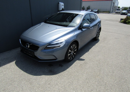 Volvo V40 D3 Edition Geartronic bei BM || L-E-B in