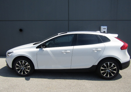Volvo V40 Cross Country T3 Cross Country Editon Geartronic bei BM || L-E-B in