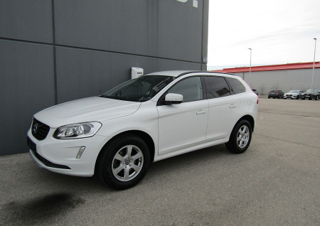Volvo XC60 D3 Kinetic Geartronic bei BM || L-E-B in